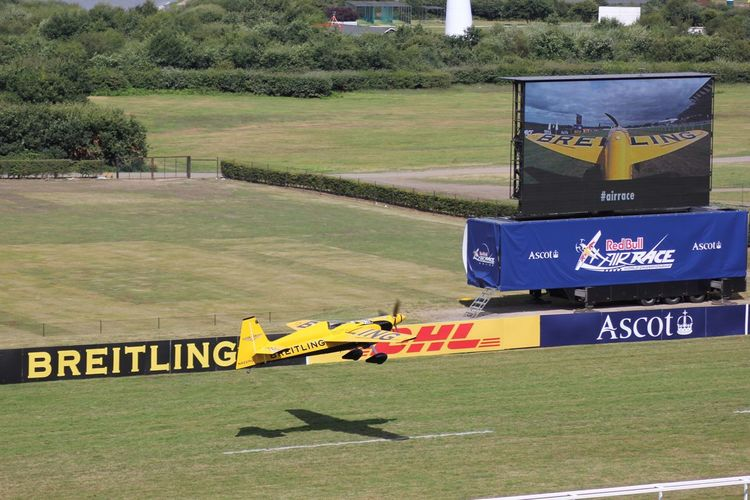 Red Bull Air Race 2016 at Ascot, UK Communication Information Sign Outdoors Transportation Weekend Activities Fuel And Power Generation Competitive Sport Performance Redbullairrace2016 Teamwork Flying Racing Redbullairrace Ascot Aeroplane Pilot Sport Leisure Activity Commercial Sign Aircraft BRIETLING TEAM