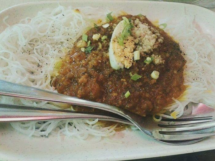 Palabok / Loglog@Magnolia Kiosk Pinoyfood😊😊😊 Pork Chicharon Egg Pepper 😆 Foodgasm Foodporn VSCOPH