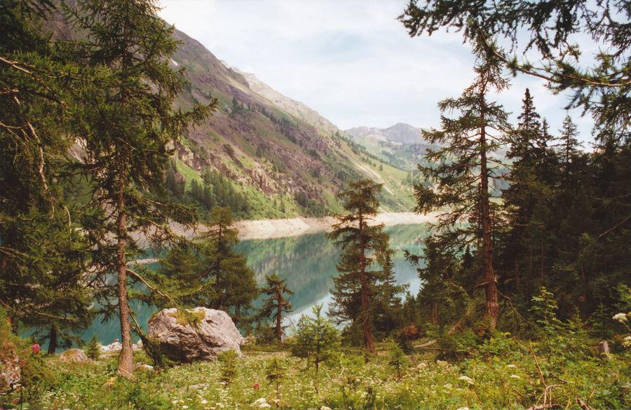 Lac Tseuzier Schweiz (Wallis) Landscape Water Lake Nature Beauty In Nature Mountain No People Outdoors Switzerland❤️ Wallis Valais Swiss Analogue Photography The Great Outdoors - 2017 EyeEm Awards