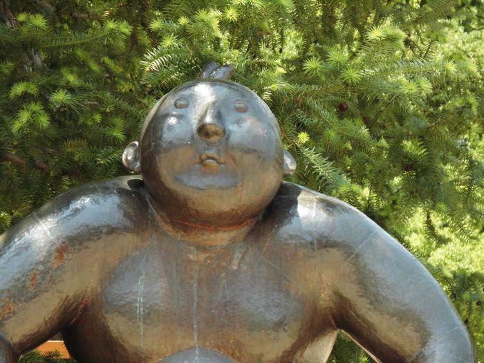 風景 ブロンズ像 Close-up Day Growth Human Representation Nature No People Outdoors Sculpture Statue Tree