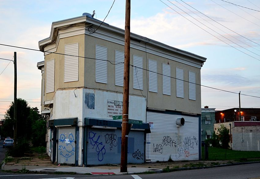 Abandoned market in Richmond, Virginia with graffiti Abandoned Architecture Building Exterior Built Structure Day Graffiti No People Outdoors Pjpink Run-down