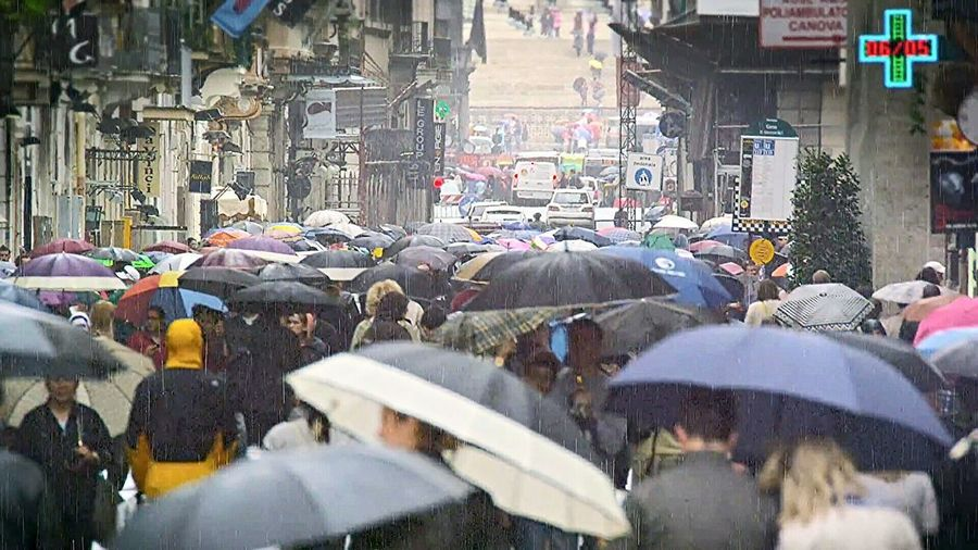 City Life City Outdoors People Day Large Group Of People Rainly Rainly Day Street Photography