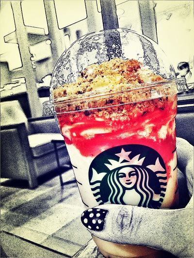I was very tired today. Starbucks Take A Rest Strawberry 疲れたーーーーー。