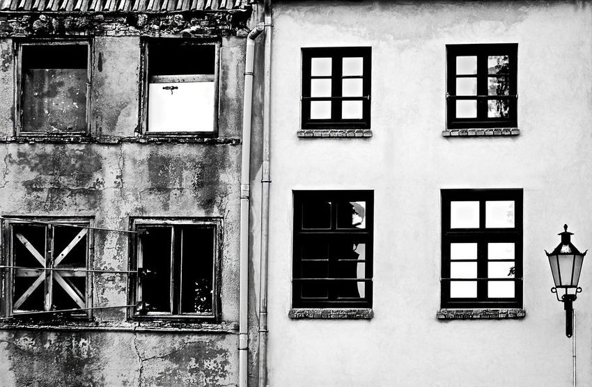 Architecture Building Building Exterior Built Structure Contrasts Decline EyeEm Gallery Full Frame House Old Buildings Repetition Residential Building Side By Side Window Home Is Where The Art Is Minimalist Architecture The Architect - 2017 EyeEm Awards Mix Yourself A Good Time