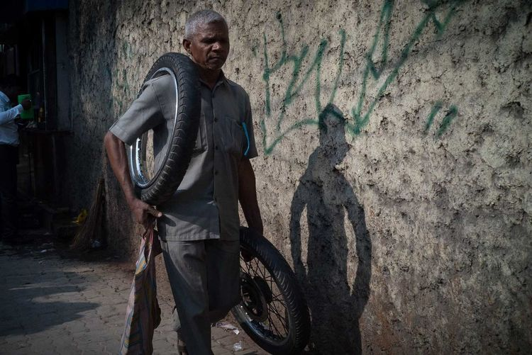 Kolkata 2017 India Kolkata Wheel Candid City Day Men One Man Only One Person Outdoors People Portrait Shadow Streetphotography