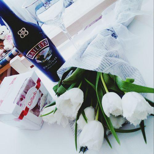 С 8 марта! пусть в сердце всегда живет весна, а улыбка не сходит с губ! 🌷🌷🌷 и не переживайте , если нет мужчины.! создавайте праздник сами! 😉 праздники весна ВеснаВосьмогоДня/8March 8 марта Тюльпаны махровые тюльпаны Raffaello BaileysПодарки для самых дорогих подарки для себя