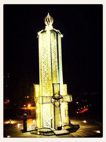 Мемориальный комплекс жертвам голодомора. Оеазывается есть скрытый проезд на холм у мемориала - можно подъехать га машине прям га место город Киев патриотизм религия