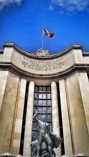 Flag Patriotism Architecture Low Angle View History Built Structure Sky Travel Destinations France Paris City EyeEm Best Shots EyeEmBestPics Eye4photography  Architecture Cloud - Sky Low Angle View Street Cityscape Blue