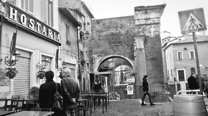 Rome Urban Scene Rome Popolari Urban Life Architecture Blackandwite Blancoynegro Building Exterior Site_historique Casual Clothing People_bw People On The Street Getting Out And Living People On The Street Tourism Streetphotography_bw Urban Living Live Love Life Urban Exploration Embrace Urban Life Roma, Italy Capturing Movement EyeEmNewHere Scenicphotography Real People Lifestyles Stories From The City
