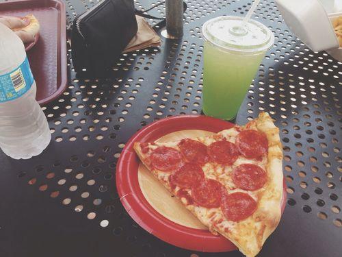 Shopping Pizza Yum