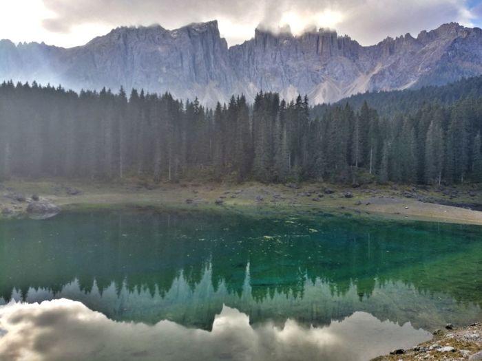 Spiegelbild Bergsee Outdoors Wasser Kalt Südtirol Water Mountain Lake Tree Forest Pinaceae Reflection Pine Tree Sky