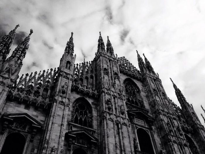 Duomo di Milano Duomo Di Milano Duomo Milano Milanocity Italia Italy Bnw Biancoenero Bnw_collection Bnw_captures Bnw_life Bnwphotography Bnw_worldwide Bnw_planet EyeEm Best Shots EyeEm Gallery EyeEmBestPics