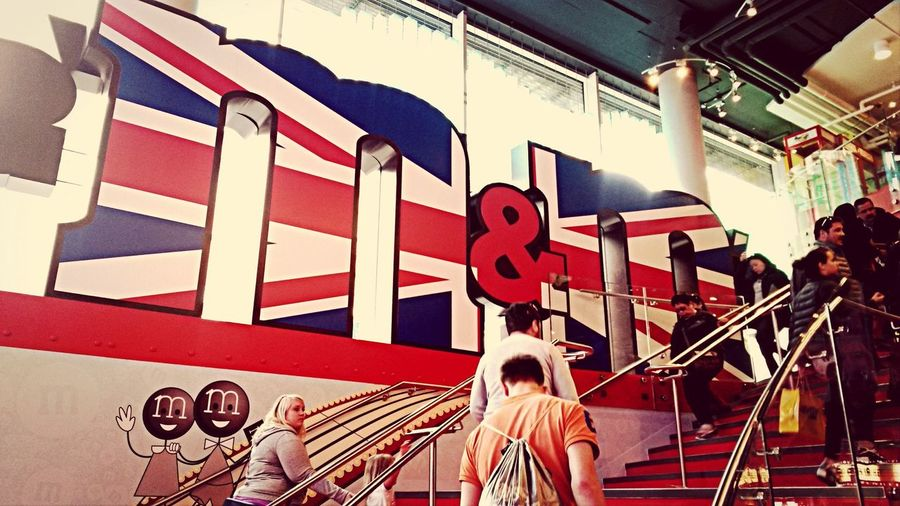 M&m's World London Hello World Check This Out