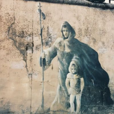 71/365 | ElCaminoDeSantiago peregrino street art. SPAIN 365grateful