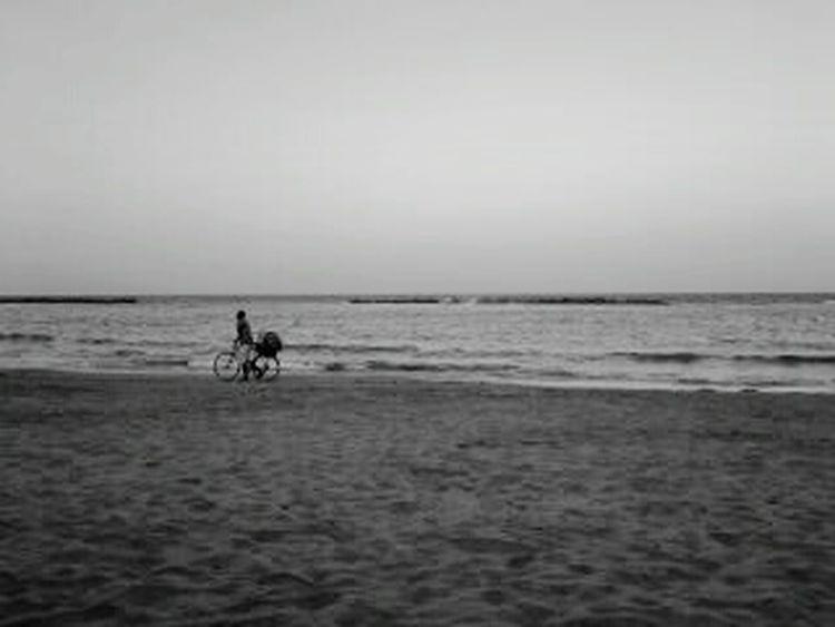 Blackandwhite Beach Alone Bicycle Orizon