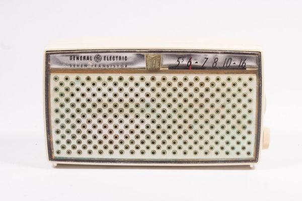 Vintage 1920s 1930s 1940's Amazing Antique Antique Radio Antiques Bakelite Collection Electronics  Light Box No People Old Radio Restored Shortwave Technology Vacuum Tubes White Background