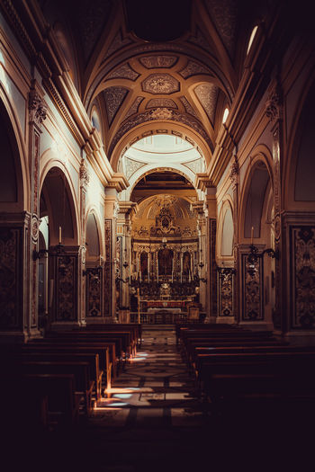 Arch Architecture Religion Indoors  Belief Building History Aisle Pew Ornate Architectural Column No People Ceiling The Past Place Of Worship Spirituality Built Structure Springtime Decadence