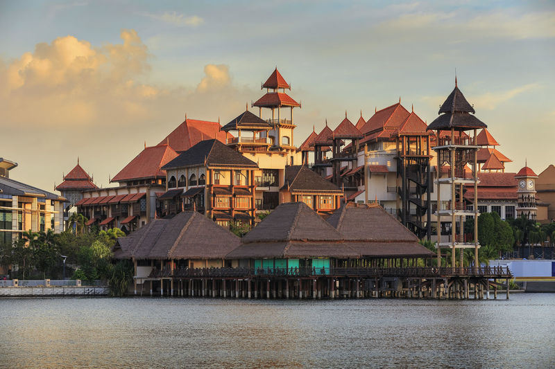 Architecture ASIA Building Exterior Built Structure City Cityscape Dusk Floating Restaurant Malaysia Pavilion Pullman Putrajaya, Malaysia Resort Restaurant Sky Sunset Tourism Travel Travel Destinations Twilight Water