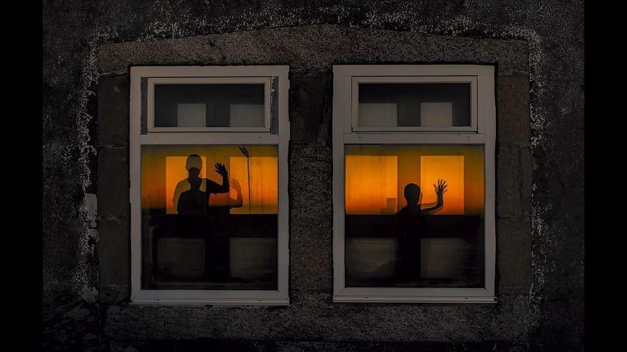 Window Architecture Built Structure Corrubedo Galifornia Champa Reflejo Niños miedo Sunset