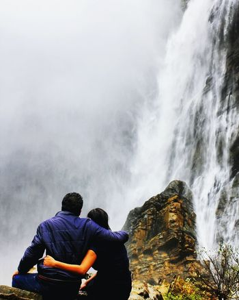 Travelingtheworld  Water Indianphotography Traveling Photography Indiaincredible Beautiful Nature Waterfalls Beautifuldestinations Couple - Relationship Relationshipgoals India India_clicks Photo Of The Day