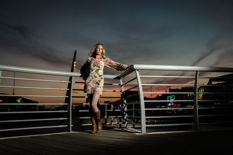 Seaside girls and boys Retro Southend On Sea Adult Adults Only Beach Beautiful Woman Boxing Ring Cloud - Sky Full Length Illuminated Night One Person One Young Woman Only Outdoors Parking Garage People Railing Real People Sky Stadium Vintage Vintage Sparkle In Her Eyes☀ Young Adult Young Women