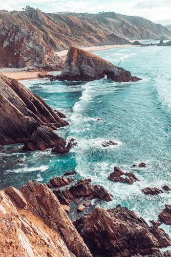 Landscape of a rocky cliff near the ocean in loiba, galicia
