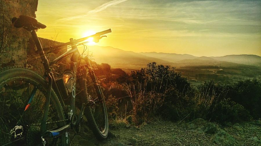 Orbea Alma Bicycle Transportation Mode Of Transport Land Vehicle Mountain Scenics Sunset Tranquil Scene Beauty In Nature Sun Plant Stationary Parking Tranquility Landscape Idyllic Sunbeam Non-urban Scene Cloud - Sky Nature Orbea Orbeabicycles Orbeaterritory Orbeaalma