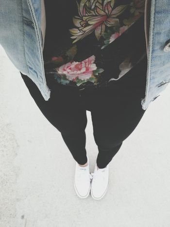 boring Flowers Converse Outfit
