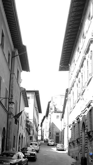 Showcase July On The Way Black And White Old Town Arezzo Italy🇮🇹 Arezzox Z3 Xperia Black & White