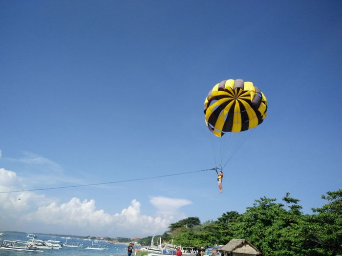 Beauty In Nature Blue Day Low Angle View Multi Colored Nature No People Outdoors Scenics Sky Tranquility Watersports Parasailing Nusadua Tanjungbenoa Bali, Indonesia