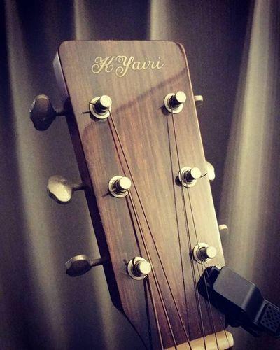 本当に下手っぴになってしまった私…いつも弾いてないとダメね… 気付けばヤイリさんとも長いお付き合い(^^ゞ Guitar Yairi Kyairi ギター ヤイリ 弾き語り Music Unplagged Mariachi ESP Killer Jackson Spector Jazz Blues 紅 Fingerplay PlayingGuitar Strings