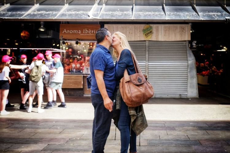 Streetphotography Street Photography Streetphoto People Candid Colours Kiss City Women Full Length Togetherness Happiness Smiling Senior Adult City Life Community Walking Mature Couple Falling In Love Casual