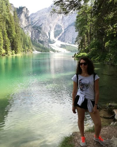 TheGreatOutdoors The Great Outdoors - 2018 EyeEm Awards Lagodibraies Sunnyday☀️ Sunday Summertime Explorer Roadtrip Relaxing Waterreflections  Intothewild Beautiful Nature Beauty In Nature Water Young Women Motion Front View Reflection Women Lake Sky Posing Sunglasses