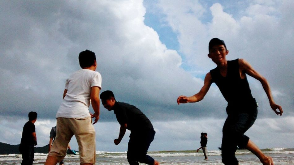 Cloud - Sky Beach People Outdoors Men Physical Activity Wave Horizon Over Water