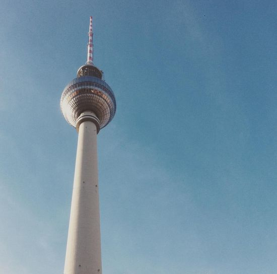 Discover Berlin The Week On EyeEm EyeEmNewHere Sky Day Outdoors No People Cloud - Sky Fun Alexanderplatztower Alexanderplatz Berlin Berlin, Germany  Lost In The Landscape Connected By Travel #FREIHEITBERLIN #FREIHEITBERLIN The Architect - 2018 EyeEm Awards