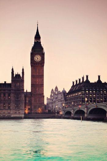 Hello World Taking Photos London Landscape