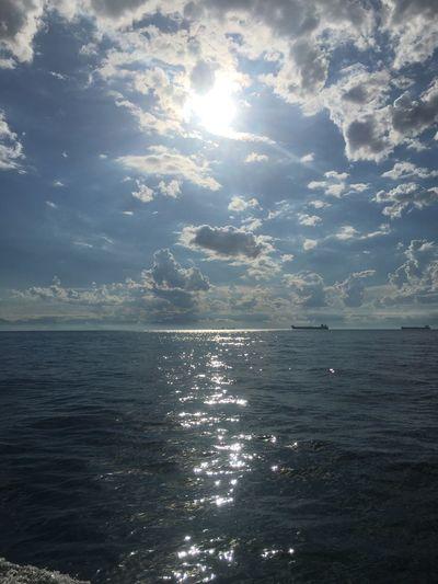 Sea Scenics Horizon Over Water Water Sunbeam Beauty In Nature Sunlight Nature Sky Idyllic Tranquility Outdoors No People Day Tranquil Scene Cloud - Sky Shiny Sun AngraDosReis Angra Dos Reis Ilha Grande Cariocagram Cariocando Ilhagrande Nature