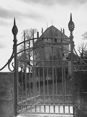 Castel Castello Perso Château Perdu Stonegraphix Montreux Lostplaces Lost Houses Black And White House No People EyeEmNewHere Been There.