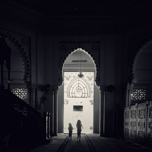 Enter Arch Entrance Built Structure Architecture Full Length People Two People Indoors  Silhouette Bnw_captures Blackandwhitephoto Black And White Collection  Children Children Only Mosque Mosque Architecture Mosque Interior Masjid Zahir Travel Photography EyeEm Gallery Travel EyeEm Best Shots