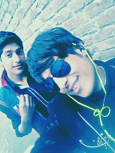 Me & Aftab // $elfie Taking Photos Me_&_myFriends Lemon By Motorola Hi! South Enjoying Life Cheese! Check This Out B&W Portrait Snapshots Of Life Relaxing Hello World