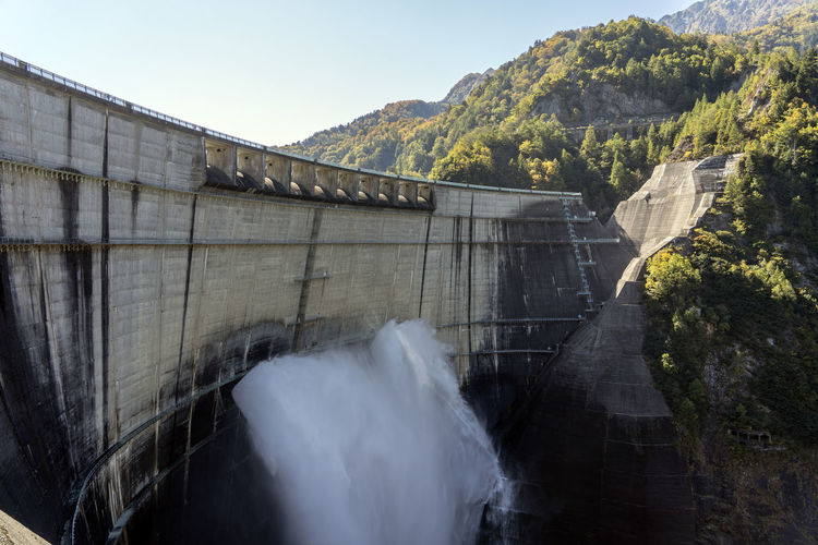 View of dam against mountain