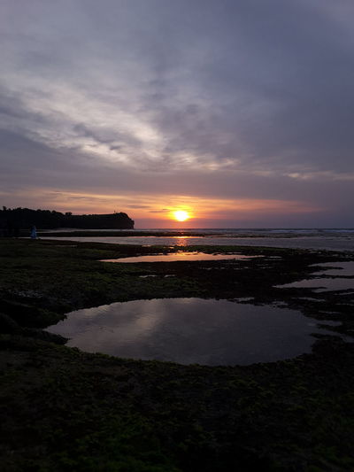 Balangan Beach Sunset Beach Tourism Traveling Nature Water Reflections Enjoying The Sun Bali Vacation
