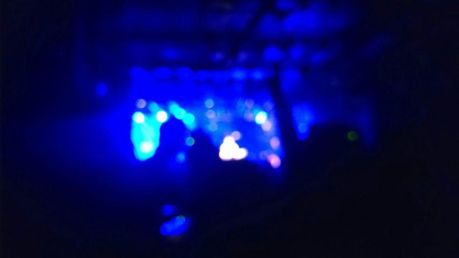 撮っちゃだめだけど撮りたくなるよね(´・ω・`) 誰か分からん写真だから…いいよね?(´・ω・`) Live Music Enjoy Music Enjoying Music Enjoying Life Light In The Darkness Light And Shadow Silhouette Blue
