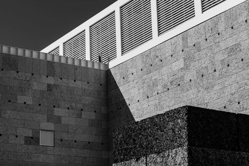 Cork Lines Lisboa Portugal Lisbon - Portugal Architecture Blackandwhite Brick Brick Wall Building Building Exterior Built Structure City Day Lisboa Lisbon No People Outdoors Pattern Sand Shadow Stone Wall The Architect - 2018 EyeEm Awards 17.62°