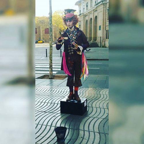 The hatter Johnnylagenteestamuyloca Aliceinwonderland Hatter Rambla Barcelona Catalunya Gaudi Gangstame