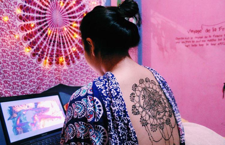 Henna tattoed girl Eyeemphotography EyeEm EyeEmBestPics EyeEm Best Shots Person Colorful Henna Tattoo Tapestry Hello World Multi Colored Tattoo Henna Girl