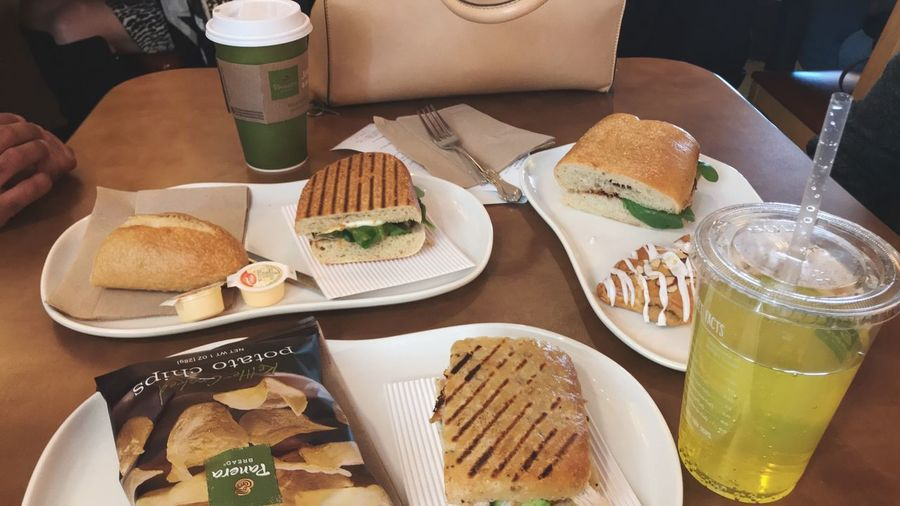 This was my lunch the other day with my mom and brother. First time trying Panera Bread! I don't plan on posting about restaurants here but the colours and sandwiches were too much 😍 Tasty Food Porn Yummy Chicken Coffee Restaurant Panera Bread  Sandwich Food And Drink Food Freshness Ready-to-eat Drink