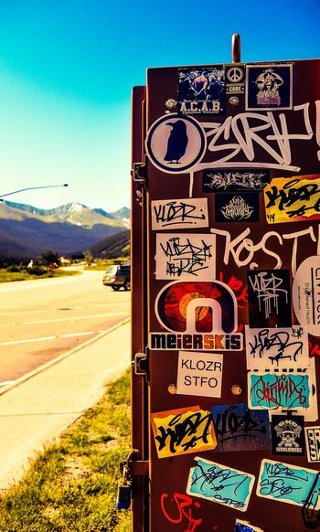 The beauty of spotting street art on road trips. Travel Photography The Traveler - 2015 EyeEm Awards EyeEm Best Shots - Nature Eye4photography  Travelingtheworld  Photooftheday EyeEm Best Shots Travelphotography Besteyeemtravel Streetphotography