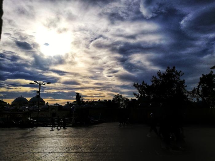 Silhouette Cloud - Sky Sunset Sky Night Outdoors No People Tree Nature Water Architecture Sun Old History Photography In Motion City Day Istanbul City Istanbullovers Photo♡ Amateurphotography Amatör çekimlerim Studentphotography Sky And Clouds Nature EyeEmNewHere