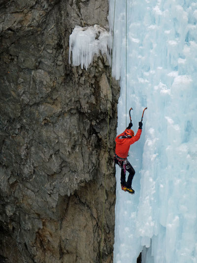 Rocky Felsen Hanging Icicles Ice Winter Wintertime Leisure Activity Sports Adventure Eiszapfen Frozen Ice Waterfall Wasserfall Iceclimbing IceClimber Eis Climbing Eisklettern Go Higher